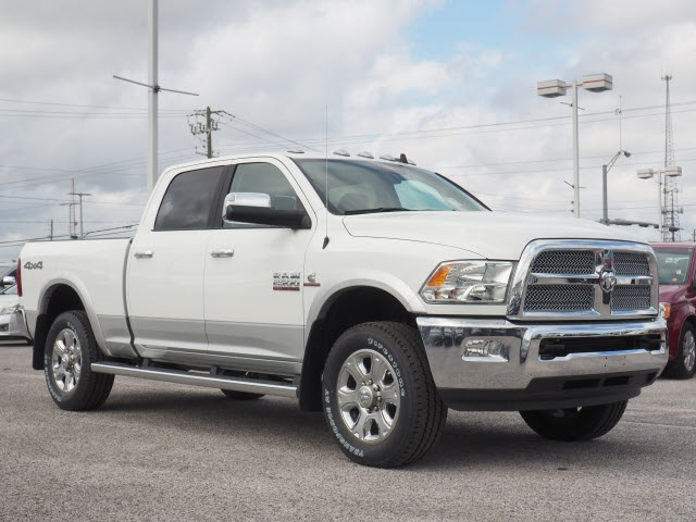 2018 Ram 2500 Crew Cab 4x4, Pickup #78297 - photo 3