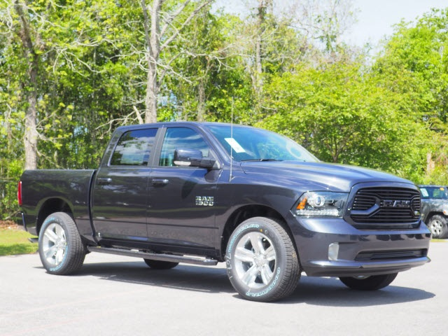 2018 Ram 1500 Crew Cab 4x4, Pickup #78577 - photo 5