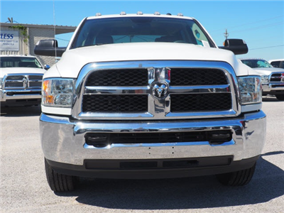 2018 Ram 3500 Crew Cab 4x2,  Pickup #78589 - photo 4