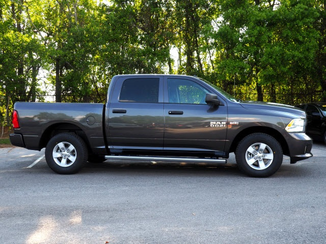 2018 Ram 1500 Crew Cab 4x2,  Pickup #78683 - photo 4