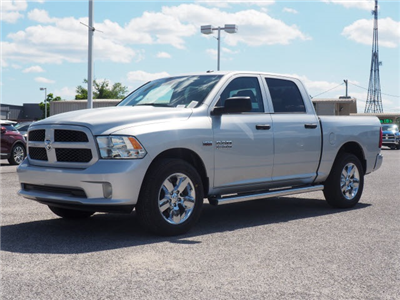 2018 Ram 1500 Crew Cab 4x2,  Pickup #78775 - photo 3