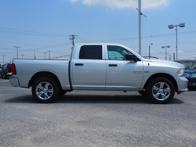 2018 Ram 1500 Crew Cab 4x2,  Pickup #78814 - photo 4