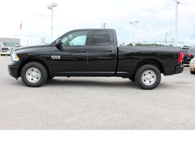 2018 Ram 1500 Quad Cab 4x2,  Pickup #78983 - photo 14