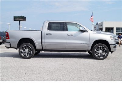 2019 Ram 1500 Crew Cab 4x2,  Pickup #79124 - photo 4