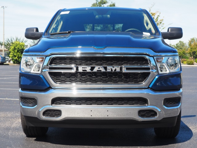 2019 Ram 1500 Crew Cab 4x2,  Pickup #79241 - photo 4