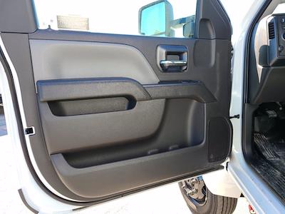 2020 Chevrolet Silverado 5500 Regular Cab DRW 4x4, Knapheide KUVcc Service Body #CL05269 - photo 17