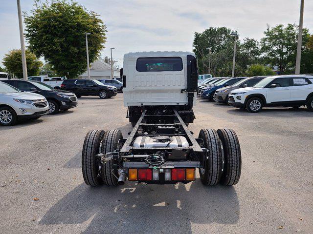 2021 Chevrolet LCF 4500 4x2, Cab Chassis #CM01473 - photo 7