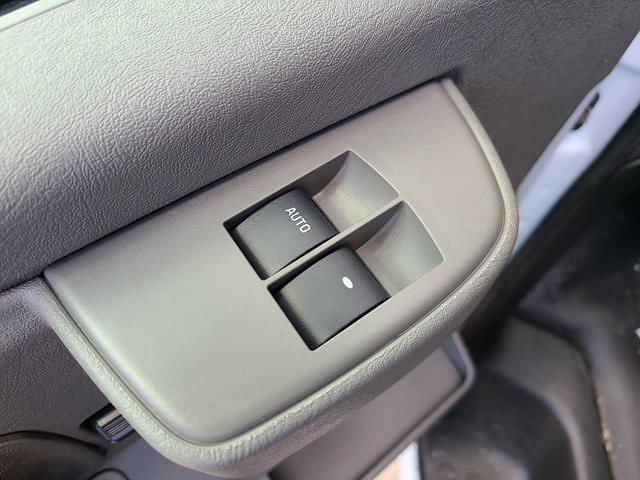2021 Chevrolet Express 3500 4x2, Rockport Cutaway Van #CM24737 - photo 18