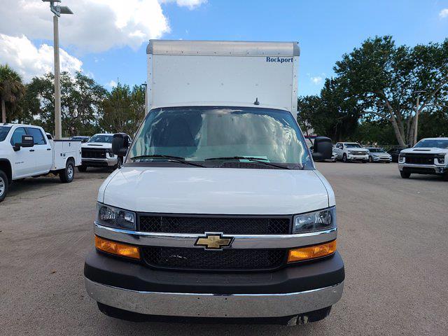 2021 Chevrolet Express 3500 4x2, Rockport Cutaway Van #CM24737 - photo 5