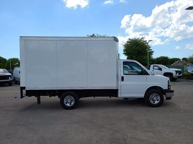 2021 Chevrolet Express 3500 4x2, Rockport Cutaway Van #CM24737 - photo 8