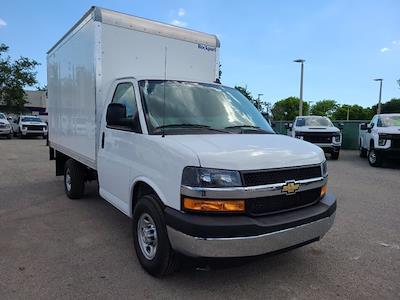 2021 Chevrolet Express 3500 4x2, Rockport Cutaway Van #CM24737 - photo 3