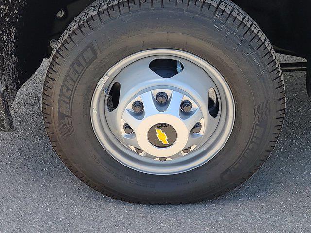 2021 Chevrolet Silverado 3500 Crew Cab AWD, CM Truck Beds Contractor Body #CM29530 - photo 9