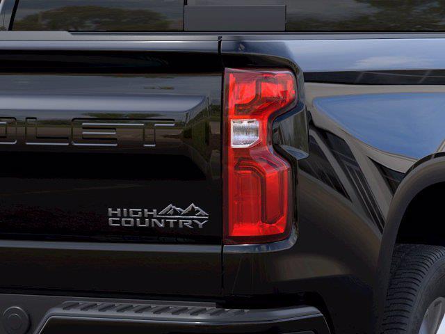 2021 Chevrolet Silverado 1500 Crew Cab 4x2, Pickup #M10469 - photo 9
