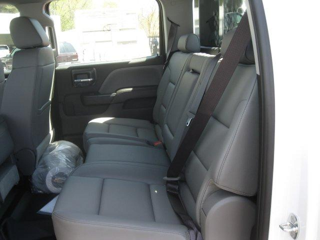 2017 Silverado 3500 Crew Cab DRW,  Platform Body #M117462 - photo 22