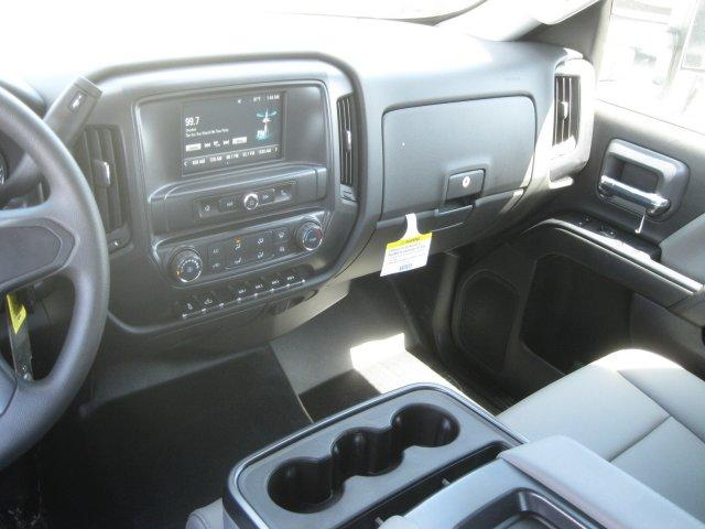 2017 Silverado 3500 Crew Cab DRW,  Platform Body #M117462 - photo 25