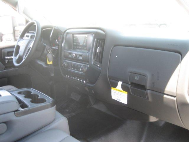 2017 Silverado 3500 Crew Cab DRW,  Platform Body #M117462 - photo 31