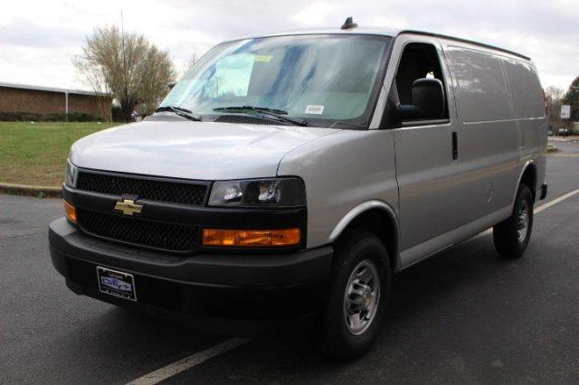 2018 Express 2500 4x2,  Empty Cargo Van #M201406 - photo 4