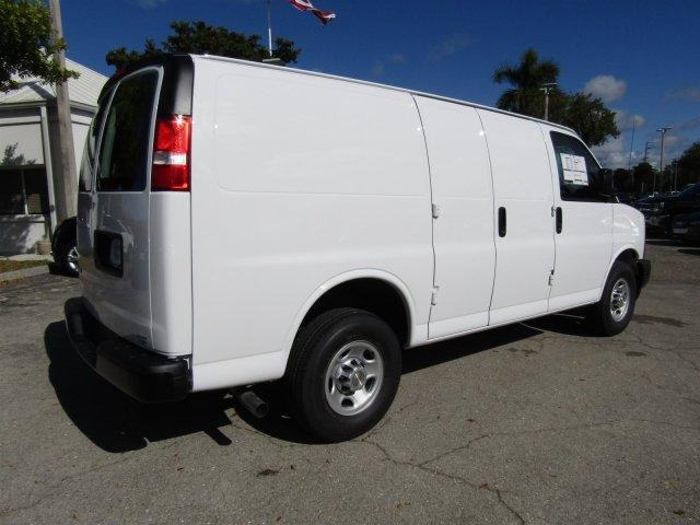 2017 Express 2500,  Empty Cargo Van #M203133 - photo 5