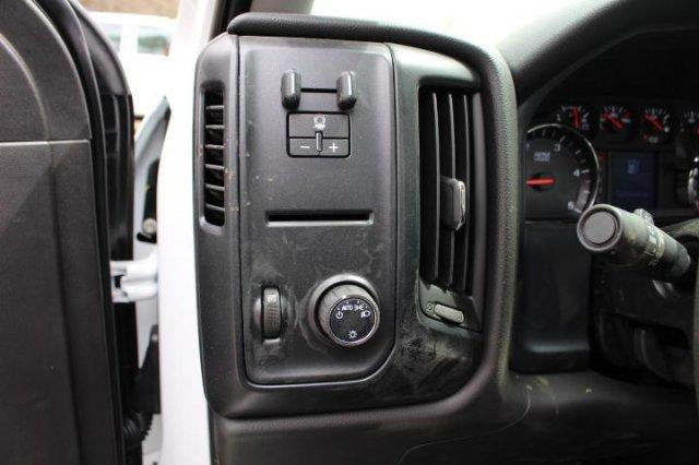 2018 Silverado 3500 Regular Cab DRW 4x2,  Knapheide Value-Master X Platform Body #M213038 - photo 12
