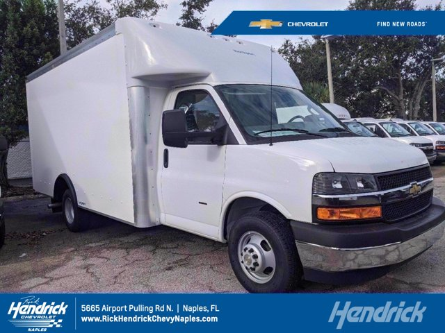 2020 Chevrolet Express 3500 RWD, Rockport Cutaway Van #M239671 - photo 1