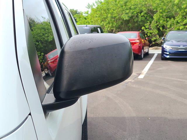 2016 Nissan Frontier Crew Cab 4x2, Pickup #M54147A - photo 15