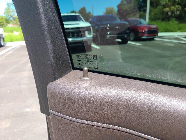 2019 Chevrolet Silverado 1500 Crew Cab 4x4, Pickup #M55593A - photo 17