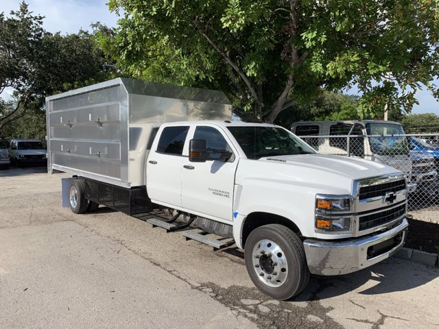 2020 Chevrolet Silverado 6500 Crew Cab DRW 4x2, MC Ventures Chipper Body #M563264 - photo 3