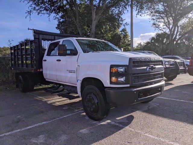 2020 Chevrolet Silverado 4500 Crew Cab DRW 4x2, Knapheide Value-Master X Stake Bed #M583656 - photo 3