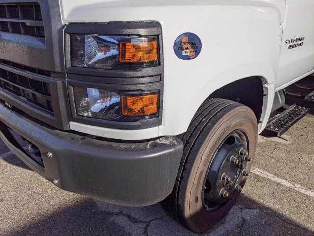 2020 Chevrolet Silverado 4500 Crew Cab DRW 4x2, Knapheide Value-Master X Stake Bed #M583656 - photo 8