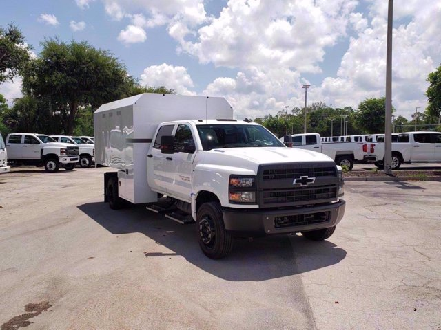 2020 Chevrolet Silverado 6500 Crew Cab DRW RWD, Knapheide Standard Forestry Chipper Body #M584063 - photo 3