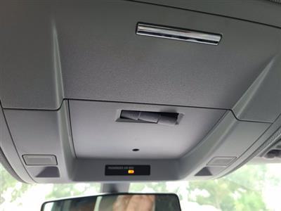 2019 Chevrolet Silverado 5500 Regular Cab DRW RWD, Cab Chassis #M611577 - photo 17
