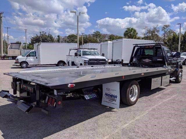 2019 Chevrolet Silverado 5500 Regular Cab DRW RWD, Danco Rollback Body #M623978 - photo 1