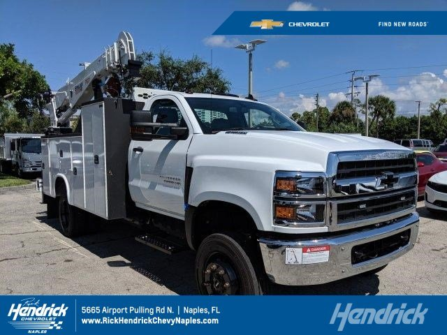 2019 Silverado Medium Duty Regular Cab DRW 4x4,  Knapheide Mechanics Body #M805193 - photo 1