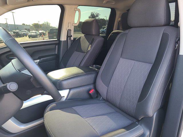 2020 Nissan Titan Crew Cab 4x2, Pickup #M91305B - photo 22