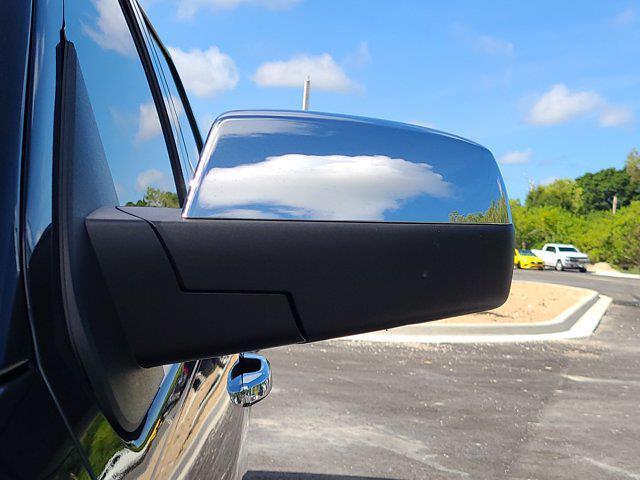 2015 Chevrolet Silverado 1500 Crew Cab 4x4, Pickup #M96567A - photo 15