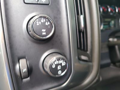 2015 Chevrolet Silverado 2500 Crew Cab 4x4, Pickup #P2982 - photo 23