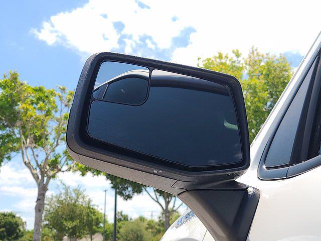 2020 Chevrolet Silverado 1500 Double Cab 4x4, Pickup #M10465A - photo 16