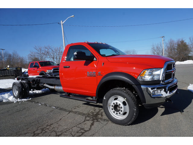 2017 Ram 5500 Regular Cab DRW 4x4 Cab Chassis #M170104 - photo 3