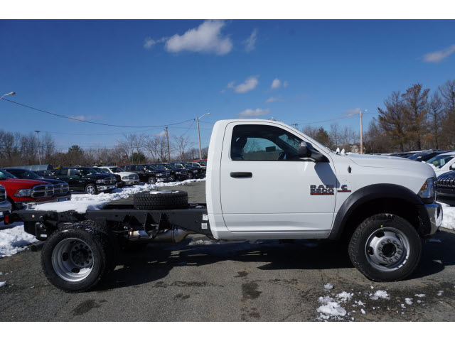 2017 Ram 5500 Regular Cab DRW 4x4 Cab Chassis #M170534 - photo 3