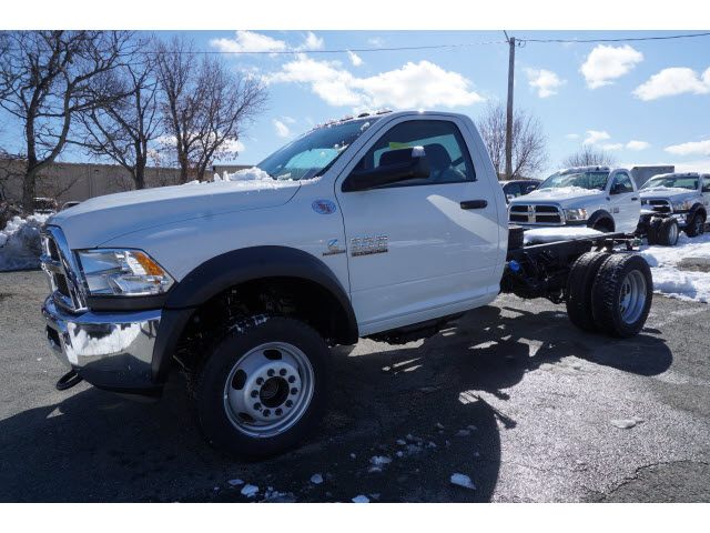 2017 Ram 5500 Regular Cab DRW 4x4 Cab Chassis #M170534 - photo 5