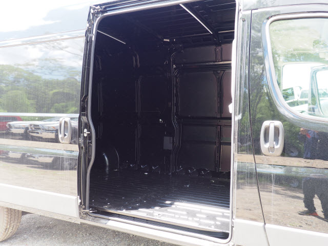 2018 ProMaster 2500 High Roof FWD,  Empty Cargo Van #M181333 - photo 4