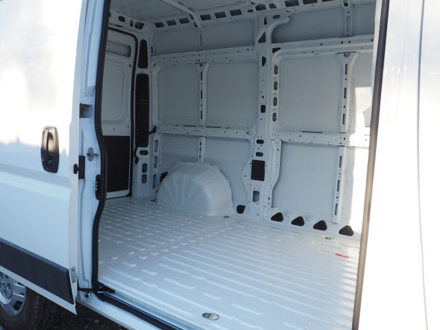 2019 ProMaster 1500 High Roof FWD,  Empty Cargo Van #M190354 - photo 4