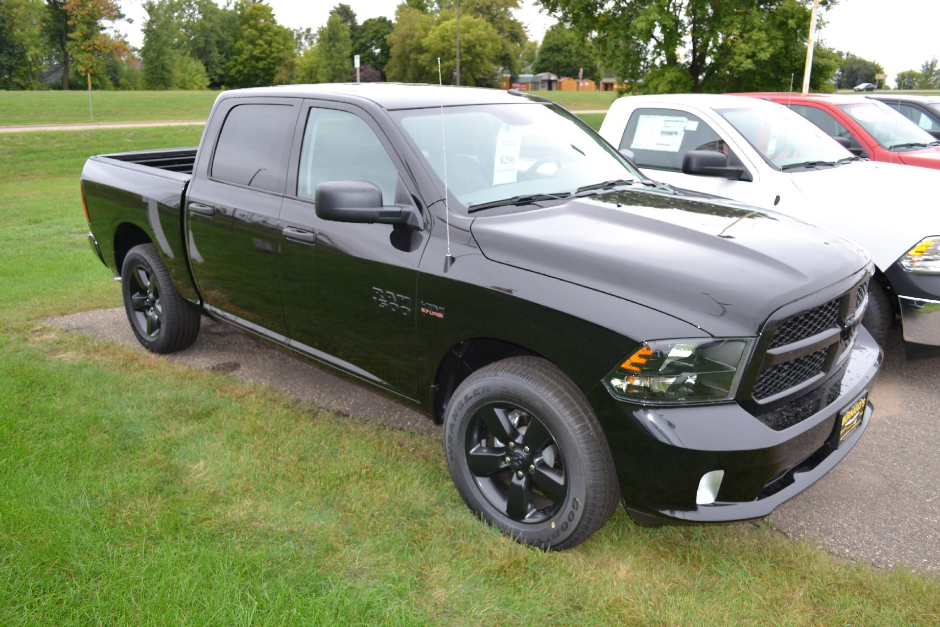 2018 Ram 1500 Crew Cab 4x4,  Pickup #18-511 - photo 3