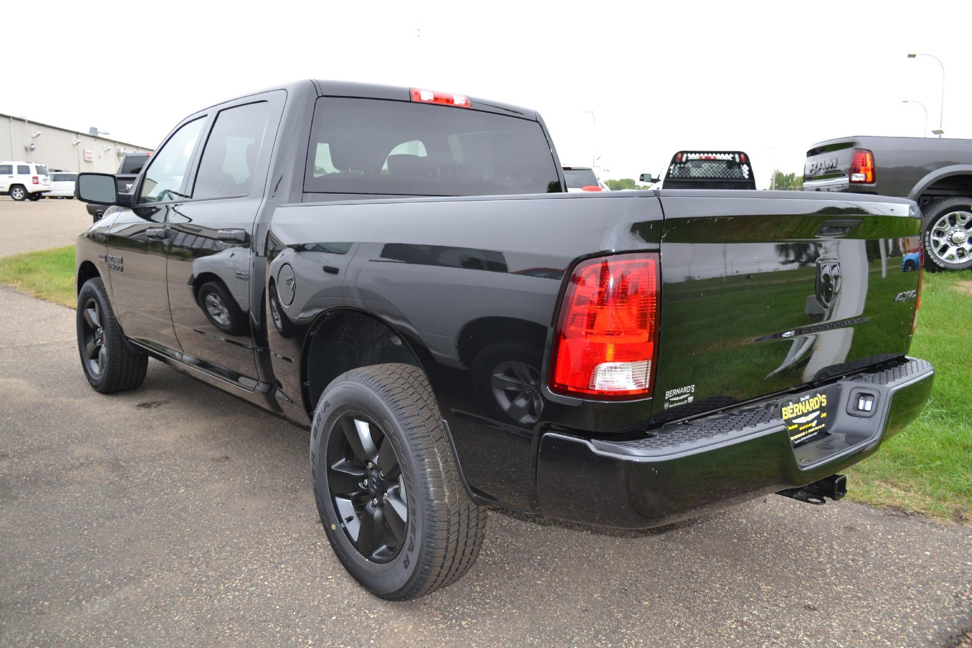 2018 Ram 1500 Crew Cab 4x4,  Pickup #18-511 - photo 2