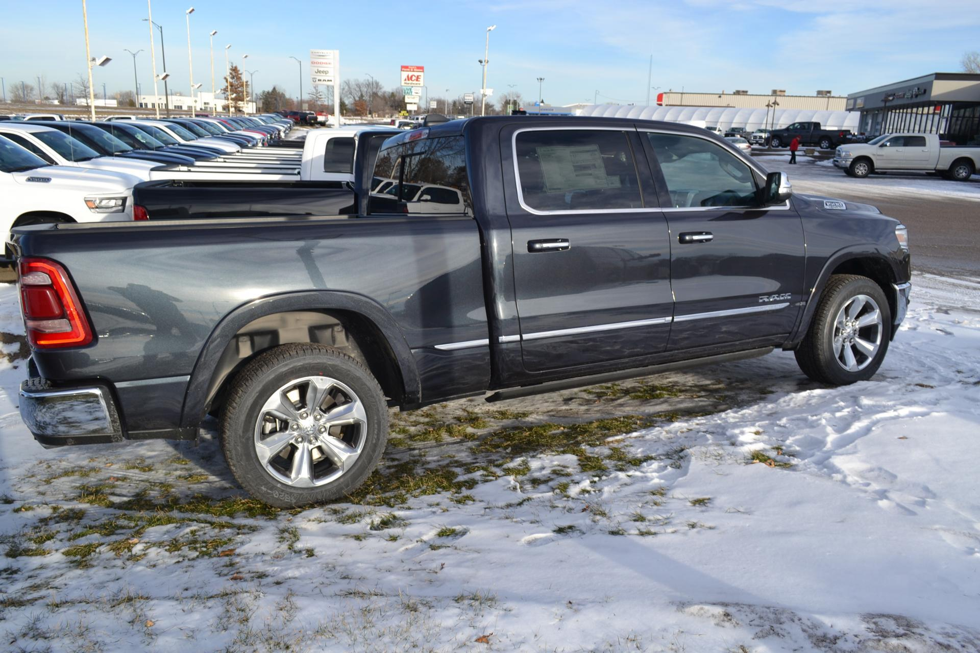 2019 Ram 1500 Crew Cab 4x4,  Pickup #19-472 - photo 13