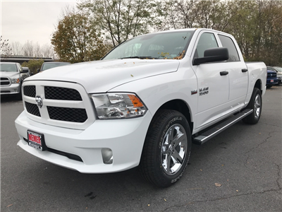 2018 Ram 1500 Crew Cab 4x4 Pickup #18036 - photo 3