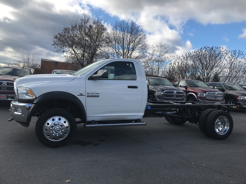 2018 Ram 5500 Regular Cab DRW 4x4 Cab Chassis #18141 - photo 5