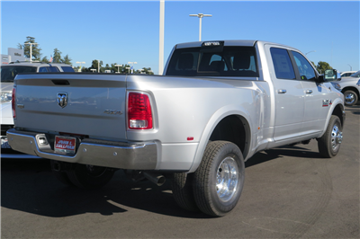 2018 Ram 3500 Crew Cab DRW 4x4 Pickup #17190 - photo 2