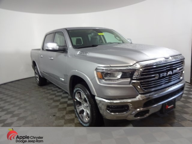 2019 Ram 1500 Crew Cab 4x4, Pickup #D4009 - photo 3