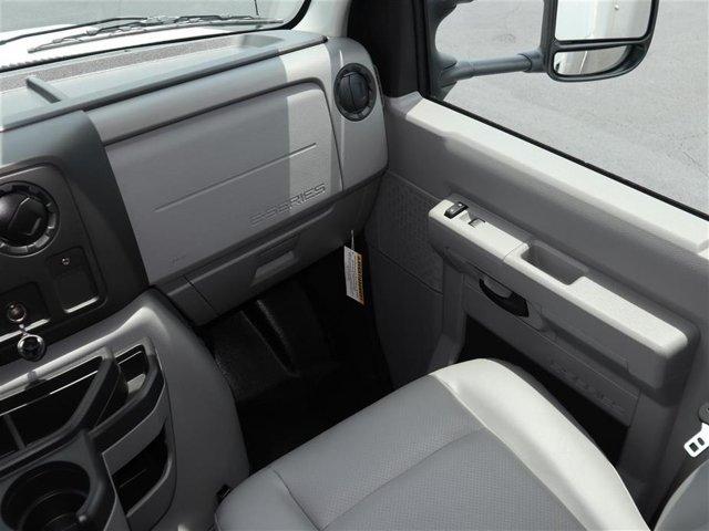 2018 E-350 4x2,  Rockport Cutaway Van #8E3F1699 - photo 10